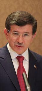 Başbakan Ahmet Davutoğlu: Kimse bize tepeden konuşamaz