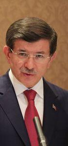 Başbakan Ahmet Davutoğlu: HDP'ye yapılan saldırıyı kınıyorum
