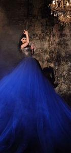Sibel Pamuk'tan klip için 20 kiloluk kostüm