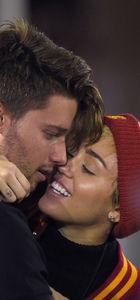 Miley Cyrus sevgilisinden ayrıldı