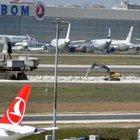 Atatürk Havalimanı piste giren köpekler nedeniyle kapandı