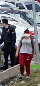 Erzurum'da yurda dönmek istemeyen kız ağzına jilet soktu