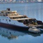 Türkiye'nin en büyük feribotu denize indirildi