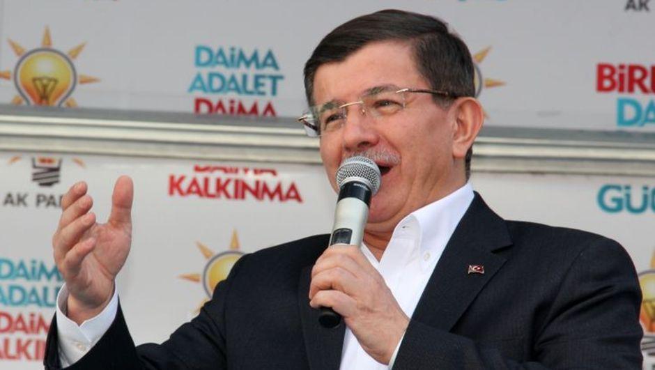 Başbakan Ahmet Davutoğlu, Ak Parti'nin Niğde mitinginde vatandaşlara seslendi
