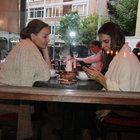 Arzum Onan'la Eylem Şenkal'ın kahve keyfi yarım kaldı