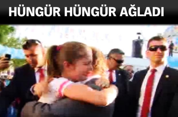 Başbakan Ahmet Davutoğlu selennur miting ağlamak
