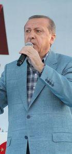 Cumhurbaşkanı Recep Tayyip Erdoğan açıklamalarda bulunuyor