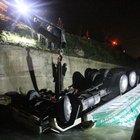 Gümüşhane'de akşam sularında iki ayrı kaza sonucu 3 kişi öldü, 6 kişi ise yaralandı