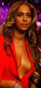 Beyonce'un olay dekoltesi