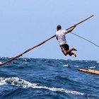 Endonezya'da hala zıpkınla balık avlanıyor!