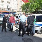 Bursa'da linçten kurtarılan yaralı gence poşetli ilk yardım