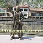 Amasya'da selfie çeken şehzade heykeline ikinci saldırı
