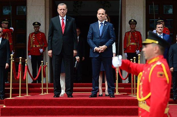 Cumhurbaşkanı Erdoğan Arnavutluk'ta resmi törenle karşılandı