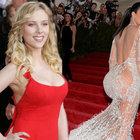 Scarlett Johansson Kim Kardashian'ı yendi