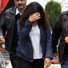 Liseli kız sokakta eski sevgilisini bıçakladı
