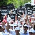 Mursi'ye verilen idam kararı protesto ediliyor