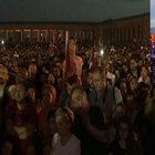 Anıtkabir'de binlerce kişi!