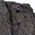 Lise öğrencisi, 300 metrelik kayalıklardan atlamak istedi
