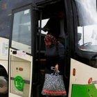 İsrail hükümeti apartheid* otobüsünden çark etti