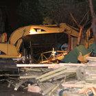 Beyoğlu'nda sabaha karşı yıkım operasyonu