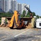 TEM'de hafriyat kamyonu devrildi