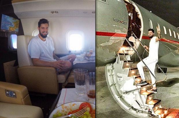 İdo'dan uçak pozu