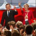 Polonya'da kazanan muhafazakârlar oldu