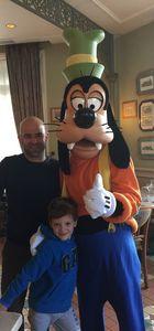 Murat Evgin ve ailesinin Disneyland turu