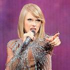 Taylor Swift sahnede ışık saçtı