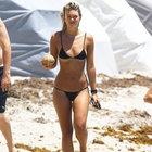 Lauren Hayes'in plajda zor anları