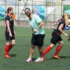 Arda Turan kızlarla maç yaptı