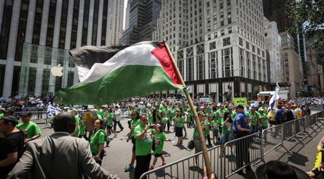 Hasidik Yahudileri İsrail'i protesto etti
