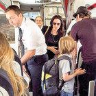 Brad Pitt ve Angelina Jolie ekonomi sınıfını tercih etti