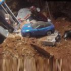 Göçükte 8 Corvette bir anda toprağa gömüldü