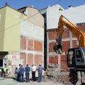 Çökme tehlikesi bulunan bina boşaltıldı