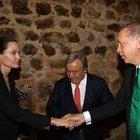 Cumhurbaşkanı Erdoğan Angelina Jolie ile Mardin'de görüştü