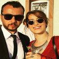 Hazal Kaya sevgilisiyle düğünde...