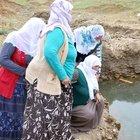 Muş'ta iki kardeşin boğulduğu gölette ağıtlar yakıldı