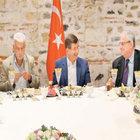 Başbakan Davutoğlu: Bu beni kara kara düşündürüyor