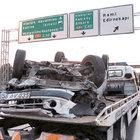 Esenler'de araç takla attı: 1 ölü