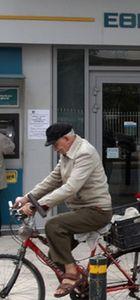 Yunanistan'da bankalar açılmayacak