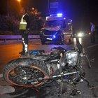 Ambulansla motosiklet kafa kafaya çarpıştı: 3 yaralı
