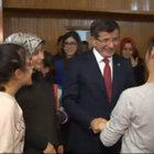 Başbakan Davutoğlu çocuk evini ziyaret etti