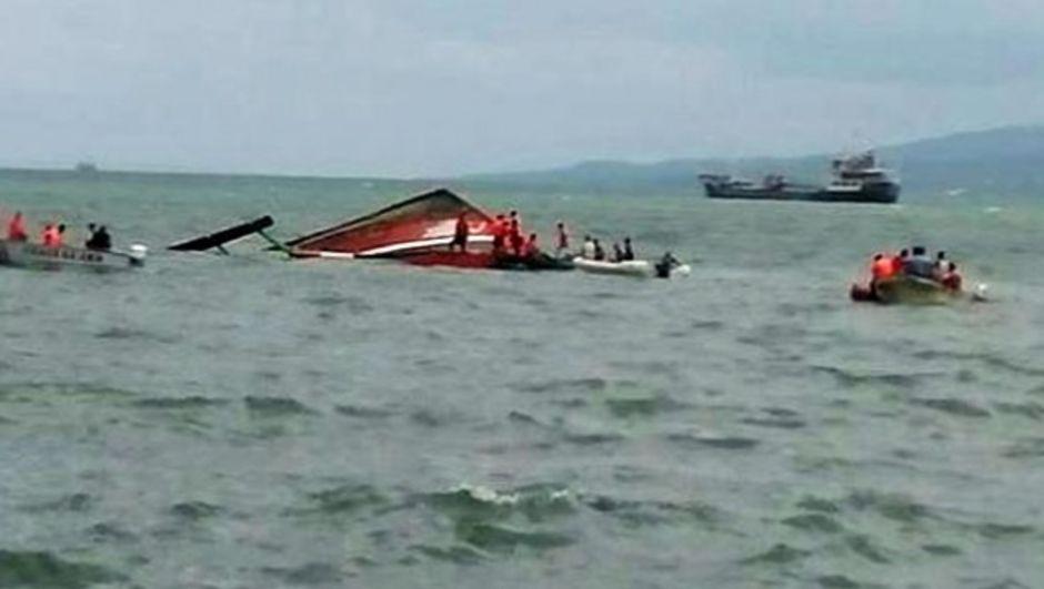 Filipinler'de 189 kişi taşıyan bir feribot battı. Kazada en az 36 kişinin hayatını kaybettiği belirtiliyor.