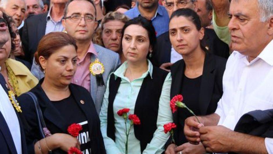 HDP Eş Genel Başkanı Figen Yüksekdağ Sivas olayları  eski Madımak Oteli binası