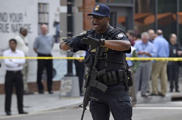 ABD'nin başkenti Washington'da donanmaya ait bir tersane binasında silah sesleri duyuldu