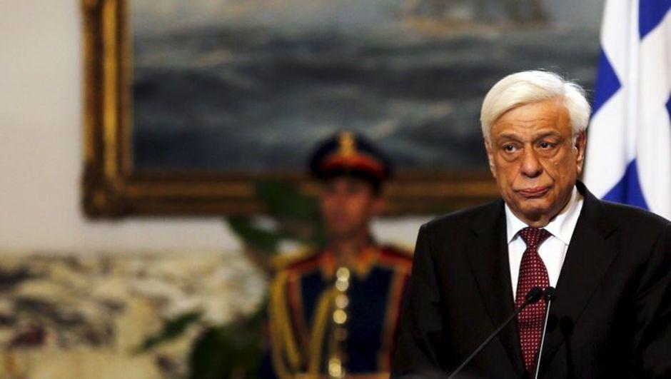 Cumhurbaşkanı Pavlopoulos'un ülkesindeki siyasi ve ekonomik gelişmelerden dolayı Almanya seyahatini iptal ettiği bildirildi