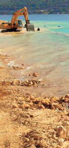 'Betonlaştırmak yetmiyor denizdeki otu bile yoluyorlar'