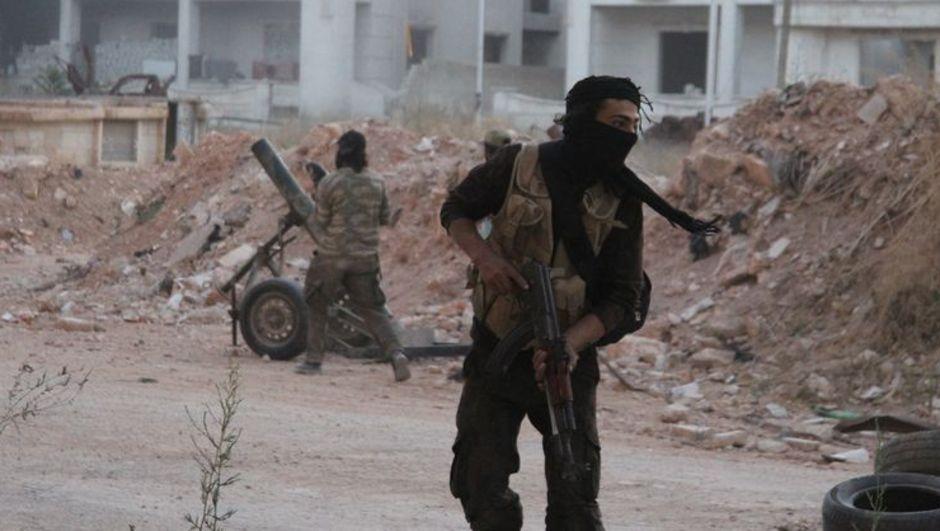 Suriye'li muhalifler Halep'te operasyon başlattı
