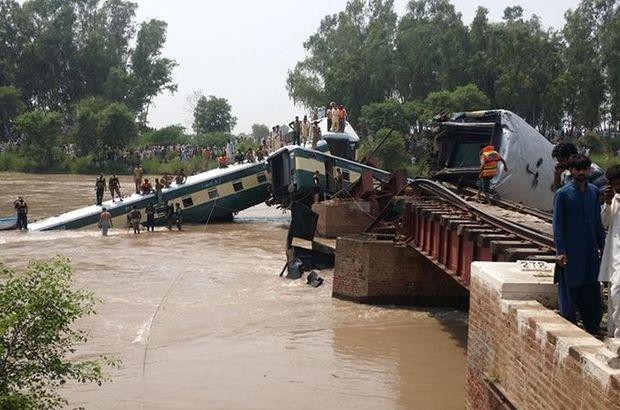 Pakistan'da ordu askerlerini taşıyan aracın kazasında ölü sayısı 19'a yükseldi